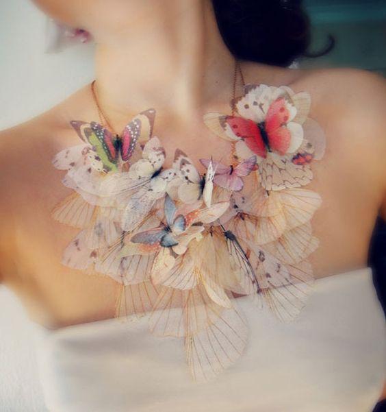 女性の胸毛処理ってどうする?メリット・デメリットを知ろうのサムネイル画像