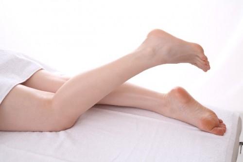 見られているのは手の指だけじゃない!足の指までしっかり除毛しようのサムネイル画像