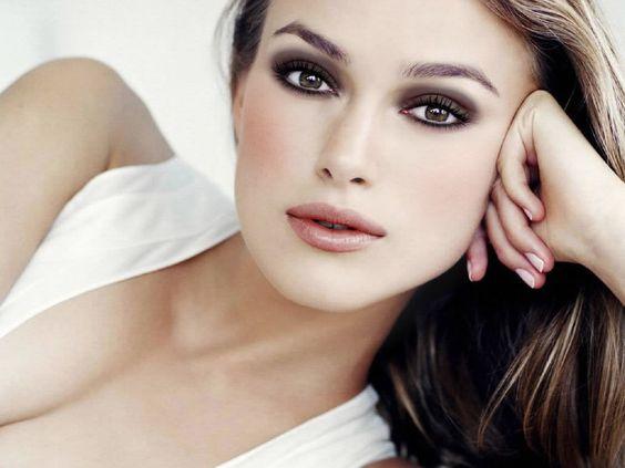 くすみ・濁りゼロの透明感あふれる美白肌は化粧水で手に入る!のサムネイル画像