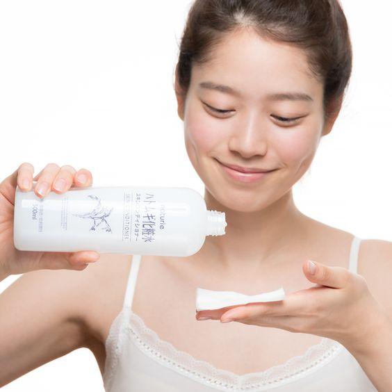 もう悩まされない!ニキビに効果的なおすすめの化粧水をご紹介♪のサムネイル画像