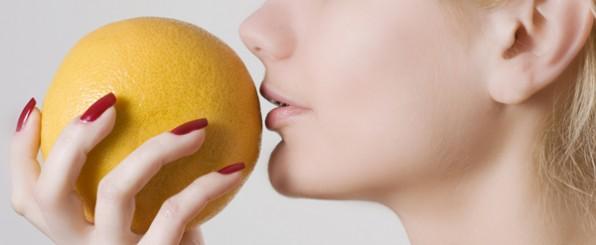 ビタミンcはお肌の味方!ビタミンc誘導体配合化粧水でもちもち肌に!のサムネイル画像