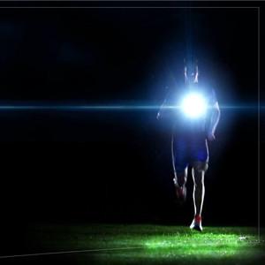 危険も多い夜間のランニング…ライトを付けて身を守りましょう✩のサムネイル画像