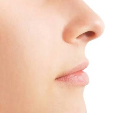 鼻が大きいのがコンプレックス?大きい鼻にも魅力があるんですよ!のサムネイル画像