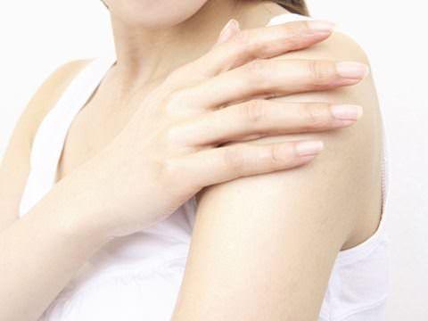 腕毛の処理は女の基本。つるつるお腕で、自分も周囲もHappyに♡のサムネイル画像