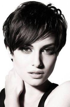 顔の産毛処理は「電気シェーバー」で肌に優しく処理しよう!のサムネイル画像
