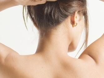 実は結構目立ってる!産毛を除毛クリームで綺麗に処理する方法とはのサムネイル画像