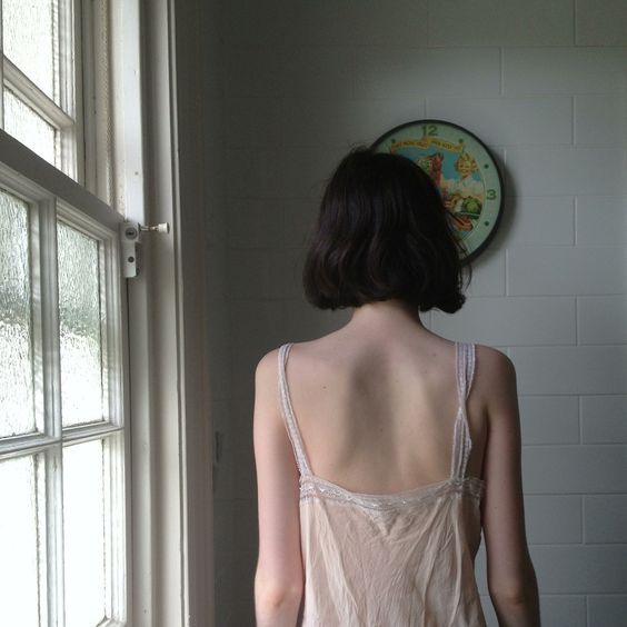 背中の毛の処理どうしていますか?便利で手軽なシェーバーについて♪のサムネイル画像