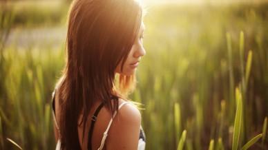 憧れの綺麗な背中を手に入れよう!背中のムダ毛の原因と処理方法とはのサムネイル画像