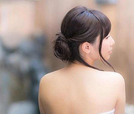 背中美人になろう!背中のムダ毛の正しい剃り方をマスターしよう!のサムネイル画像