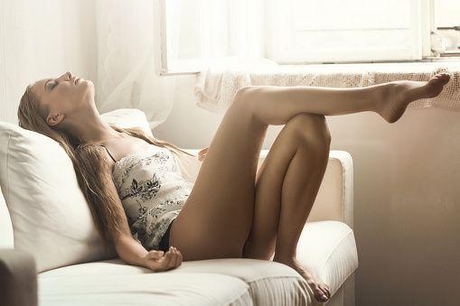 女性が毛深いのは病気?女性が毛深くなる原因と解消法について♡のサムネイル画像