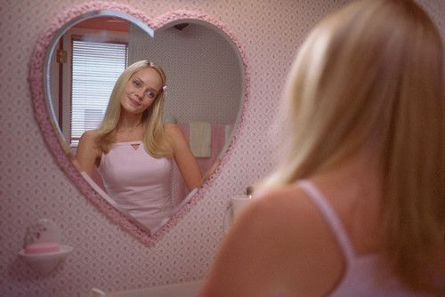 毛深い女性は男性ホルモンが影響で毛深くなっているって本当なの?のサムネイル画像