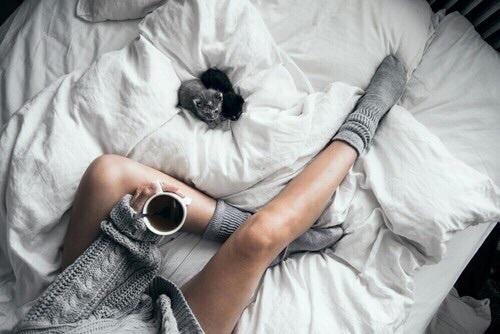 むくみも冷えも肩こりも解消!寝る前3分リンパマッサージのすすめのサムネイル画像