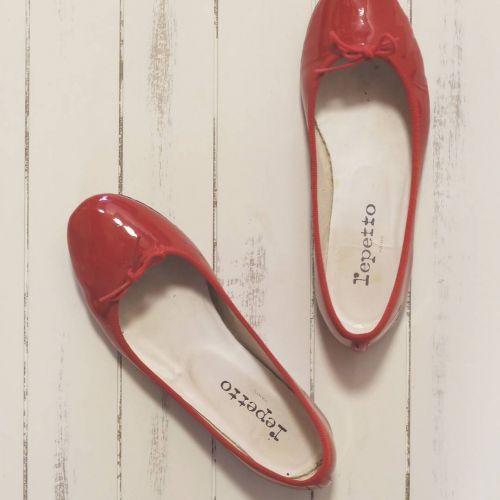 サンダルの大敵!痛〜い《靴ずれ》防止には〇〇を塗るだけでOK♡のサムネイル画像