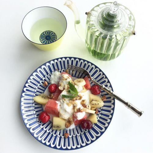 女子特有の《イライラ》を解消!摂りたい栄養素別・美容食材をご紹介のサムネイル画像