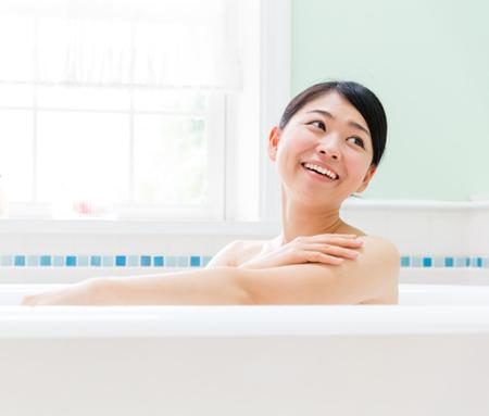お風呂に塩!?「塩風呂」の効果と入浴方法をまとめました!のサムネイル画像